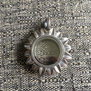 Origami Owl medium Sunflower hinged locket